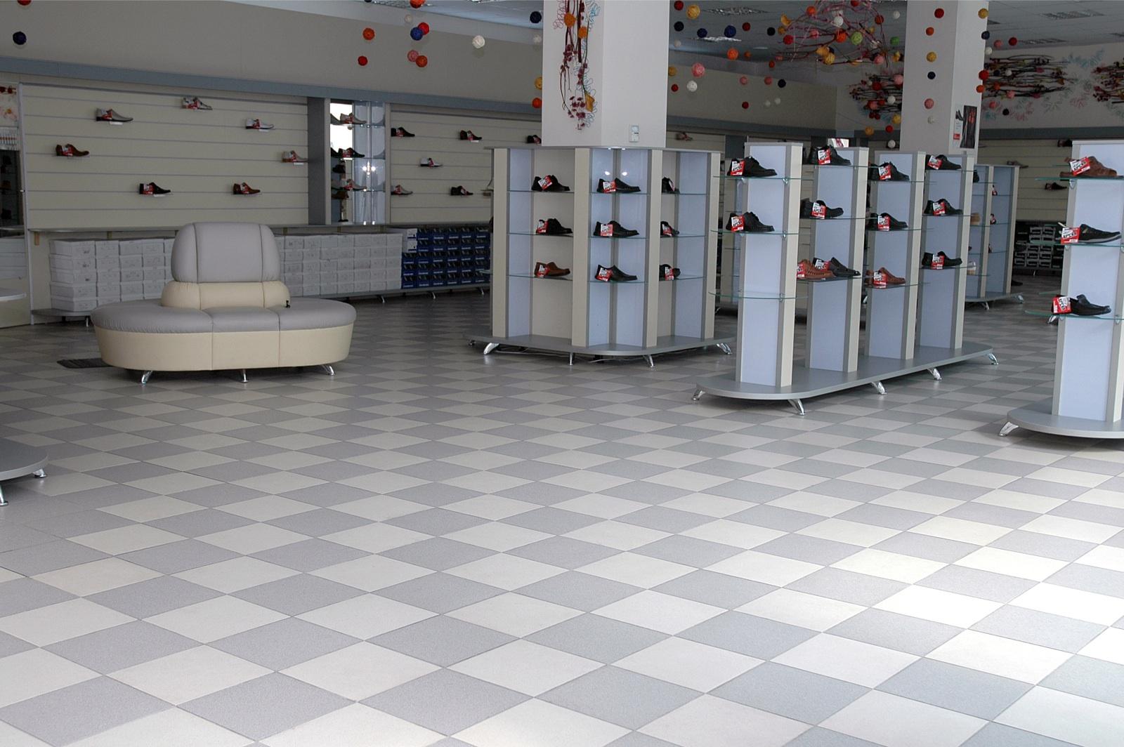 Зевс Керамика в магазине обуви